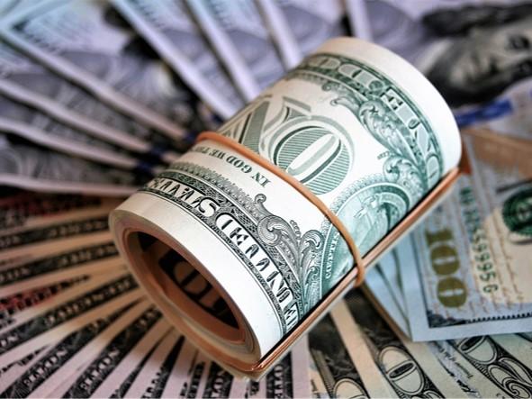 تاثیر قیمت دلار بر بازار بورس چقدر است؟